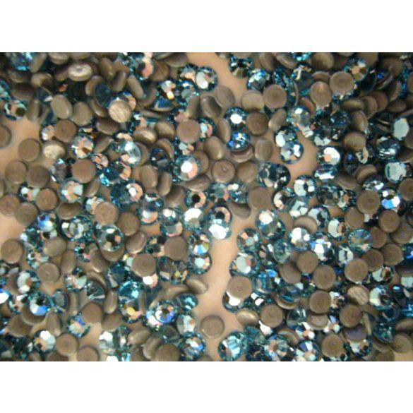 Swarovski Strasssteine in Hellblau 50 Stück (zum Aufbügeln)